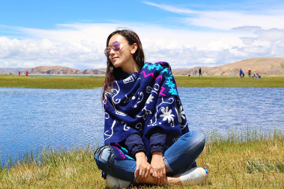 毛俊杰/布达拉宫转动的经幡、纳木措碧蓝的湖水、洁白无垠的雪山,在...