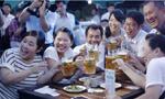 图片直击平壤啤酒节:喝啤酒吃烤串兴高采烈