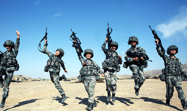 六个女兵的大漠之战
