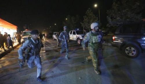阿富汗美国大学遇袭数十人死伤 特种部队冲进校园