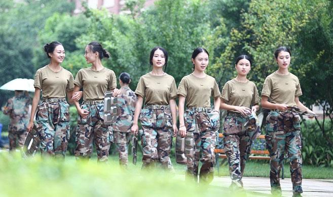 史上最美军训宿舍爆红 空乘六姐妹晒军训图迷倒网友