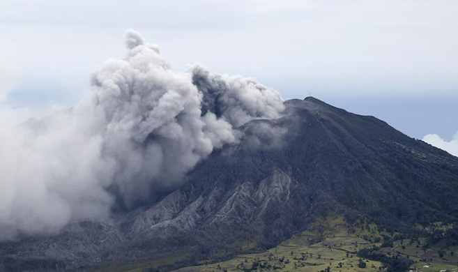 哥斯达黎加火山持续喷发