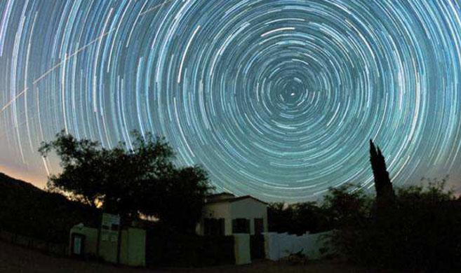 """在""""天眼""""附近仰望星空是种怎样的体验?"""