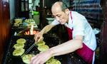 """上海""""网红""""葱油饼店停业:想办证但租不起店面"""
