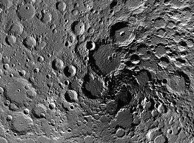 月亮会变脸 每8万年换个面貌