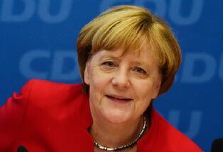 """""""铁娘子""""又双����竞选德国总理了 这回有戏吗?"""