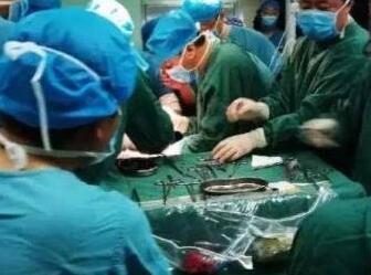 女医生被刺9刀心脏破裂 嫌犯已被立案丨事发经过