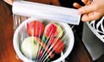 俄罗斯研制可食用保鲜膜 原料来自苹果土豆
