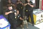 美国5名警察包围射杀持刀盲人 家属欲上诉