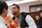 """王俊凯送王大陆""""孩子"""":饿的时候可以吃"""