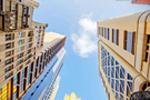 又一座摩天大楼来了 金色摩天框成迪拜新地标