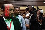 印尼反腐官员光天化日遭酸液袭击