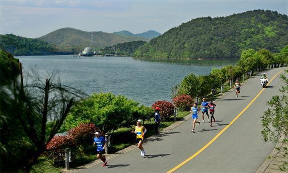 九龙湖半程马拉松下周末开跑 这些公交线路有调整