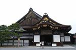 日本二条城多处古迹被涂抹不明粉末