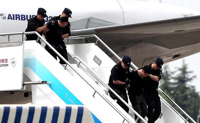 东航举行反恐实战综合演练
