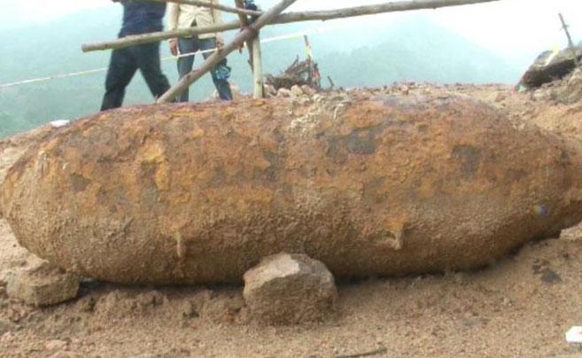 专家无人区引爆300公斤航弹