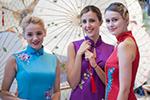 """国内外女士着旗袍在杭州展示""""旗袍之美"""""""