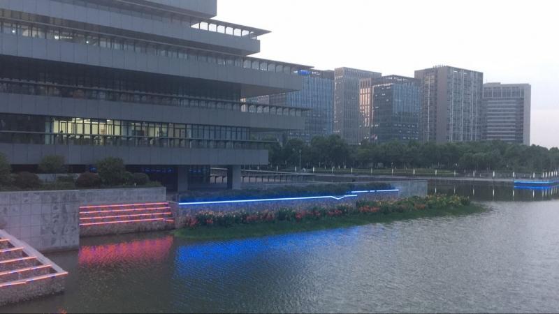 大东江公园景观灯破损