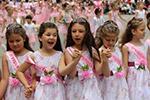 保加利亚欢庆传统玫瑰节