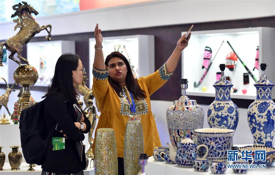 南亚东南亚国家商品展公众开放首日