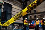 """初步调查显示纽约地铁脱轨事故是""""人为错误""""所致"""
