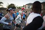 励志:南非85岁老太跑半程马拉松 创世界纪录