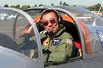 一华裔飞行员驾驶自制飞机坠毁身亡 曾驾机环游世界