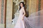 叶璇白纱裙裹身仙气十足 含情浅笑气质优雅迷人
