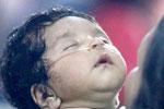 """印度医院""""断氧门"""":死亡病婴家长望尸检求真相"""