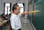 """""""独臂教师""""李福龙的快乐教学"""
