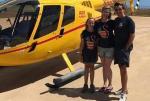 美国10岁女孩搭乘父亲直升机上学