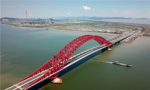 梅山春晓大桥今晚通车 还可以划着皮划艇看风景