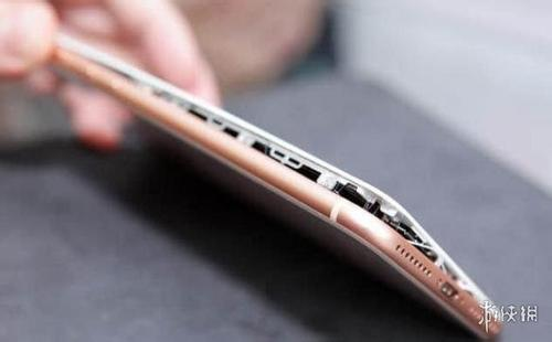 iPhone8发生多起电池鼓包事件 苹果公司调查