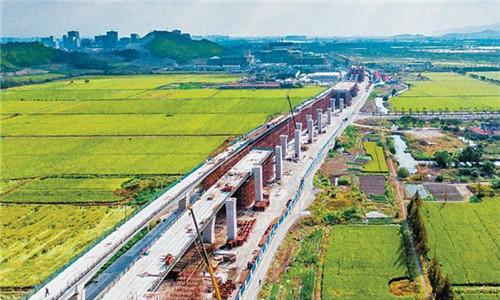 宁波4号线高架段完成桥墩建设