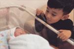 主持人李晨晒照宣布二胎出生 小表情似证实为儿子