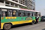 印度大学生公交车上遭割喉 车上40人无人出手相救