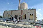 埃及军方追袭清真寺恐袭袭击者 多国支持反恐