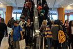 美媒:美国购物季消费支出可观 但经济隐忧仍在