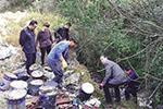 严惩!浙江饮用水源保护区现废油漆桶 涉案人员面临刑罚