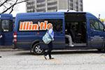 """不让乘客感觉""""身在中国""""?美巴士公司歧视言论引抗议"""
