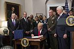 """特朗普签署""""美台军舰互停""""法案 台高官赖清德:是好事"""