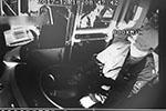公交司机没让老人从前门下车被骂15分钟 气得无法开车