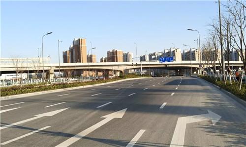 云飞路一期(洪塘中路—机场路)通车 居民出行将更方便