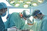 """部分医院""""突击控费""""竟限药限手术 病人无奈只能扛着"""
