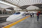 青岛开往杭州东的G281次列车车厢冒烟 无人员伤亡