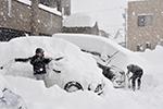 日本北陆遭遇最严重暴雪 已造成1死30伤