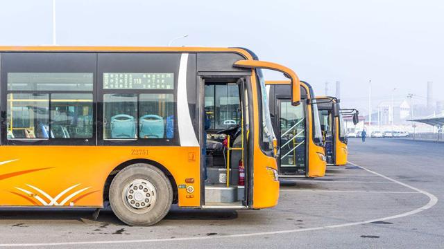 【云涌晨报】今年宁波市区所有公交都将可以刷微信支付宝;快播王欣出狱,与姚劲波何小鹏等会面谈AI区块链