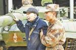 那个要亲手摸一摸中国自己坦克的失明老兵,走了……