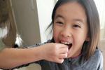 刘涛做狗年创意早餐 女儿搞怪十分可爱