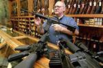 特朗普称美国将提高最低购枪年龄门槛